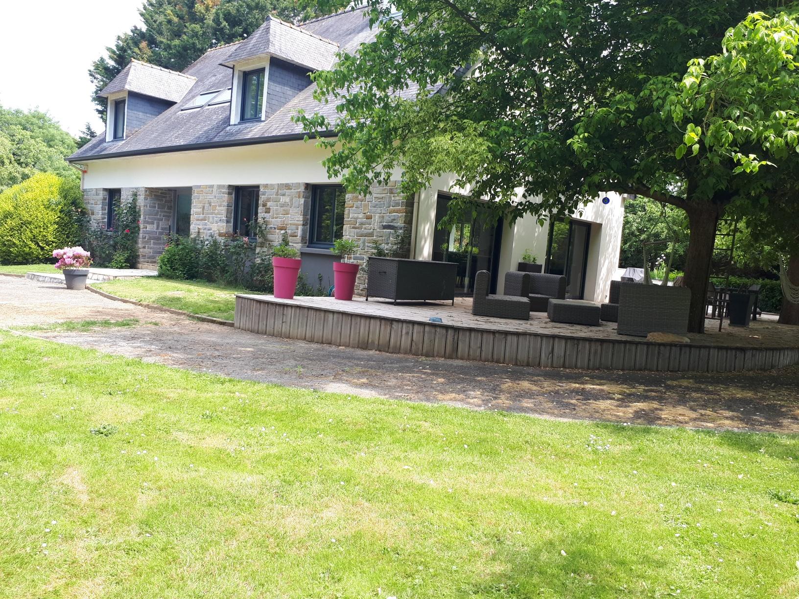 Spacieuse maison avec terrain paysagé sur Betton